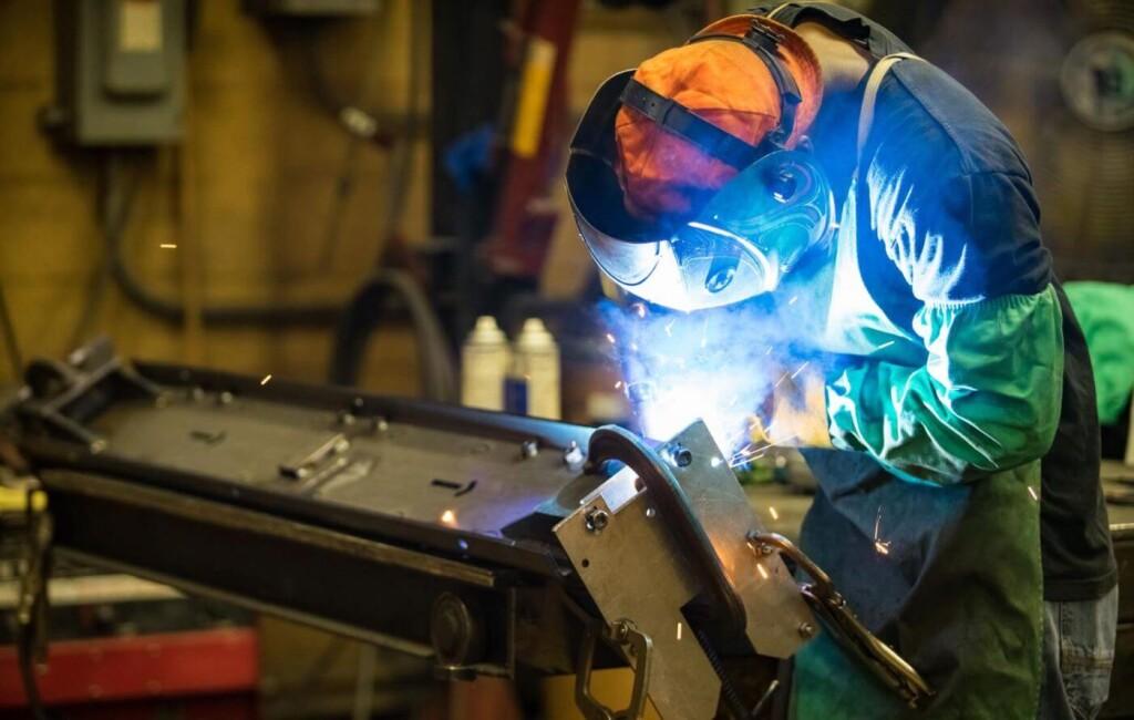 Reparaciones y mantenimiento de maquinas de soldar profesionales